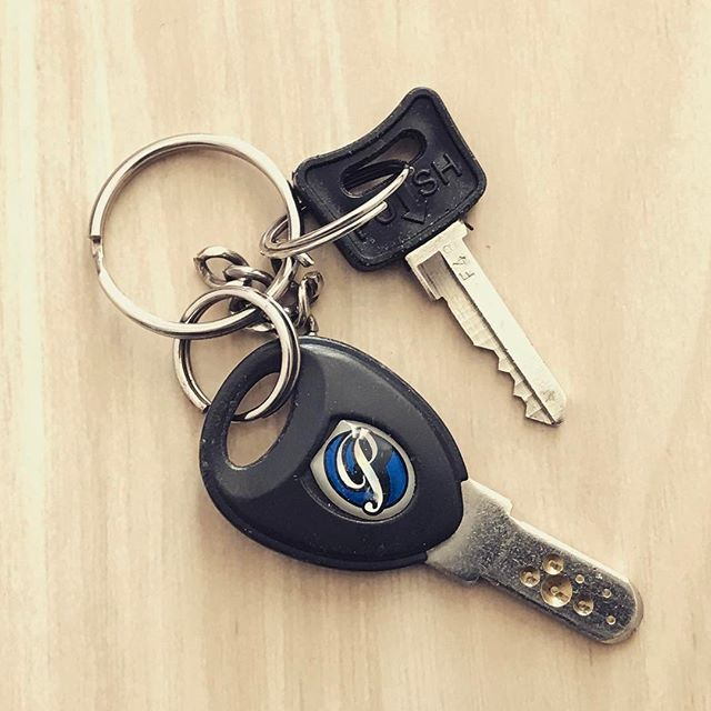 【鍵に感謝】大切なものを守ってくれる鍵。鍵には安全や安心が託されています。今日も鍵が私を守ってくれています。ありがとう。#一日一謝 #ありがとう #感謝 #鍵 #安心 #安全 #key  #arigato #safety